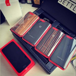 OnePlus 5 Packaging and Cases